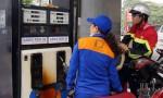 Giá xăng giảm kỷ lục